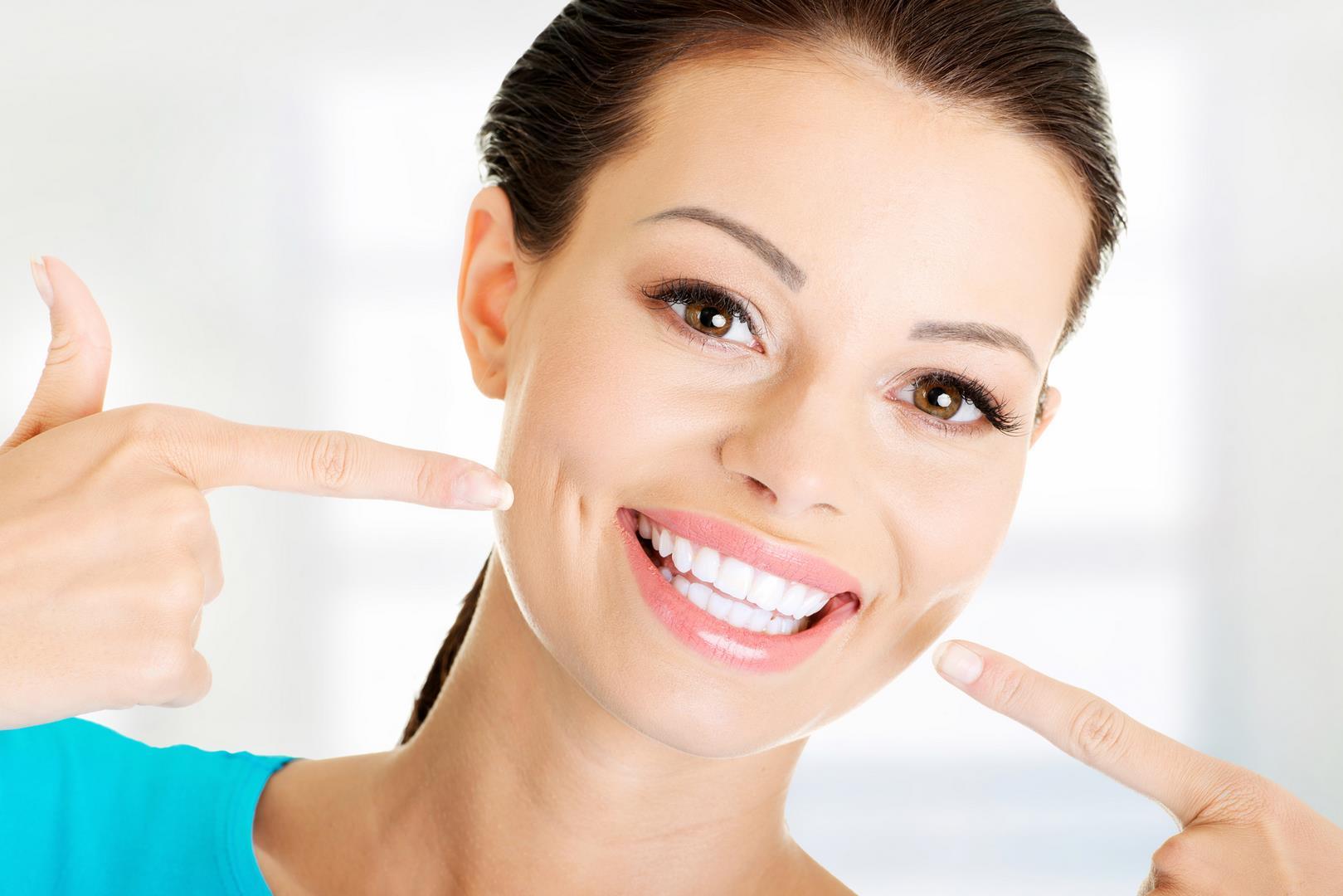 Hayouma-Ninael-dentiste-13005-orthodontie-alignement-dents-1